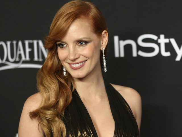 Jessica Chastain Used to Raid Dumpsters to Decorate 'Teeny' Home
