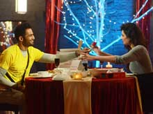 <i>Bigg Boss 8</i>: Upen, Karishma on a Dinner Date