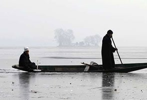श्रीनगर में तापमान माइनस 5.4, डल झील जमी