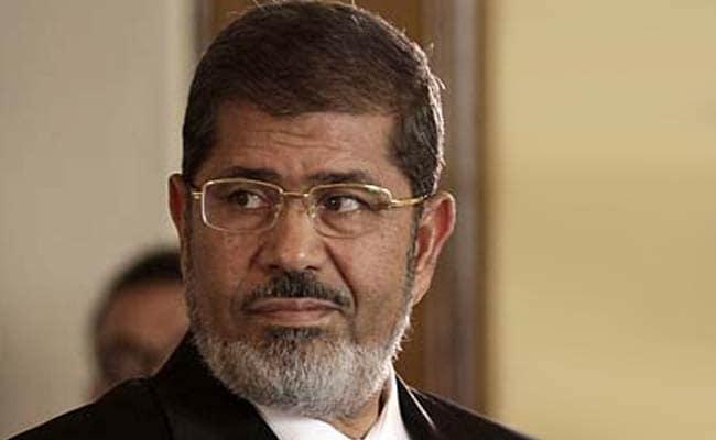 मिस्र : पूर्व राष्ट्रपति मोरसी को 40 साल जेल की सजा, मुस्लिम ब्रदरहुड के छह सदस्यों की फांसी बरकरार