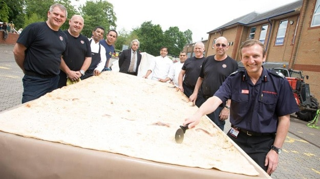 The Biggest Naan the World Has Ever Seen!