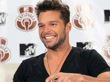 Ricky Martin's Picture From 'Heaven' Proves He's Not Dead