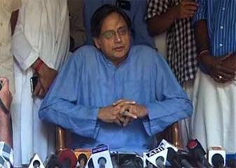 सुनंदा मामले की जांच पूर्वाग्रह या राजनीतिक दबाव से मुक्त होनी चाहिए : थरूर