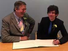 British Actor Stephen Fry Marries Boyfriend