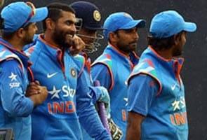 वर्ल्ड कप 2015 : युवराज को नहीं मिली जगह, अक्षर और बिन्नी टीम में शामिल