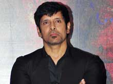 Vikram is Hassle-Free, Says his <i>10 Enradhukulla</i> Co-Star