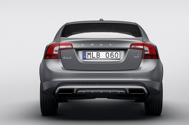 Volvo S60 Cross Country rear profile