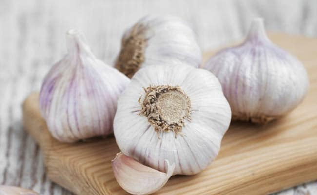 5 Powerful Benefits Of Garlic Tea