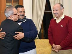Arvind Kejriwal Meets President Pranab Mukherjee, Thanks Him for 'Blessings and Guidance'