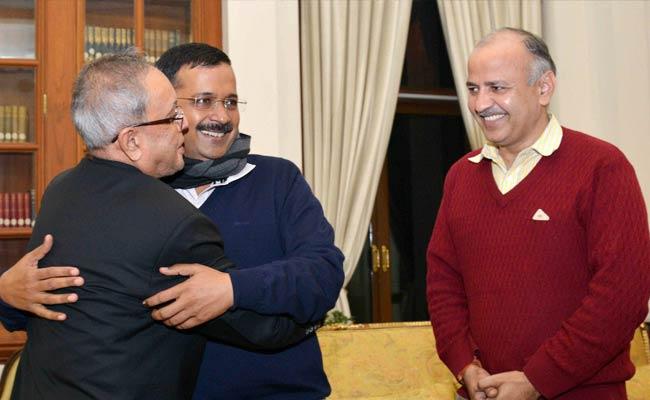 Delhi Chief Minister Arvind Kejriwal Calls on President Pranab Mukherjee