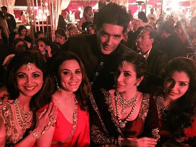At Sanjay Hinduja's Wedding, VIP Guests Wearing Manish Malhotra