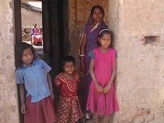 महामारी 15 करोड़ लोगों को गरीबी की गहरी खाई में धकेल देगी: विश्व बैंक