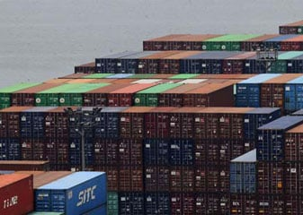 जनवरी में निर्यात 11.19 प्रतिशत घटा, ढाई साल में सबसे बड़ी गिरावट