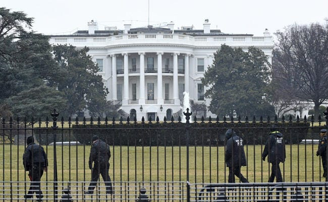 White House, Silicon Valley To Hold Summit On Militants' Social Media Use