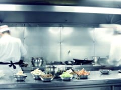बाथरूम से लाख गुना ज्यादा दूषित है आपके किचन में यह जगह
