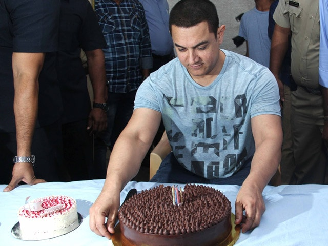 Aamir Khan's Early Birthday Party With the Press