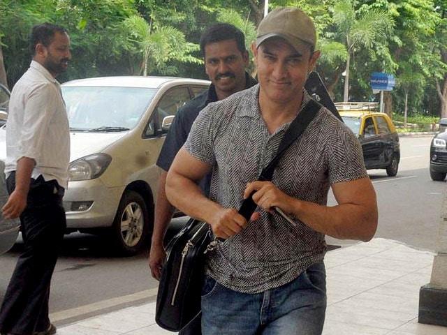 Aamir Khan Not the Villain in Detective Byomkesh Bakshy!: Dibakar Banerjee