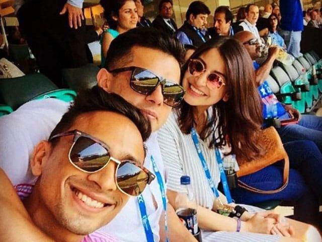 At India Vs Australia, Anushka Sharma's Cheerleading Squad for Virat and The Men in Blue