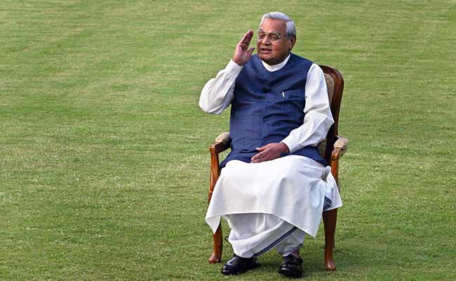 On Former PM Atal Bihari Vajpayee's 93rd Birthday, Wishes Pour In: Highlights