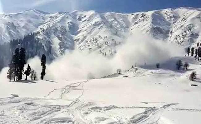 Avalanche In Jammu And Kashmir's Kupwara Kills 1 Student, Injures 2