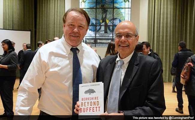 India-Born Ajit Jain in Race for Warren Buffett Successor