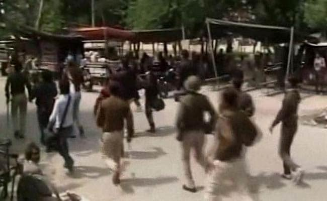 Meerut Police Clash With Dozens of Protesting Chaudhary Charan Singh University Students