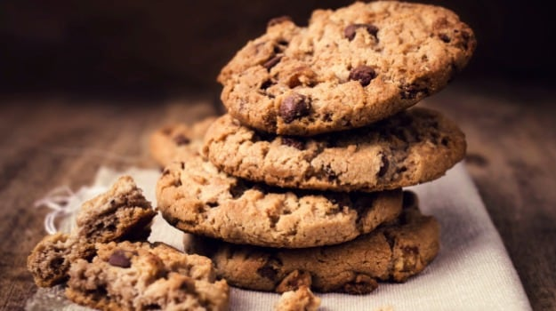 Photo of Watch: Love Chocolate Chip Cookie? Bake It At Home With This Easy Recipe