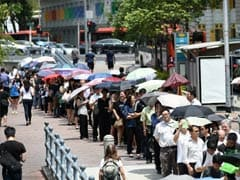 Grieving Singaporeans Pay Respects to Founding Leader Lee Kuan Yew