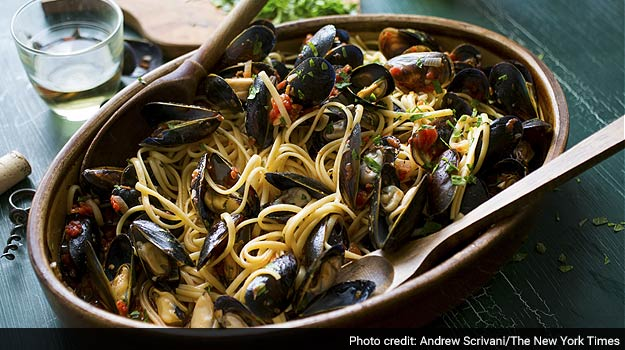 A Simple Recipe for Pasta With Mussels