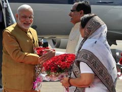 PM Modi Arrives in Madhya Pradesh to Inaugurate Power Units, Greets Chief Minister on Birthday