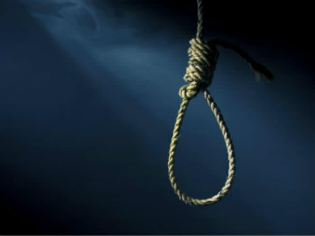 मायके से दहेज नहीं लाने पर विवाहिता की हत्या, शव को पेड़ पर लटकाया