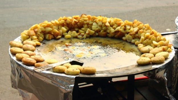 12 Best Street Food Places in Old Delhi