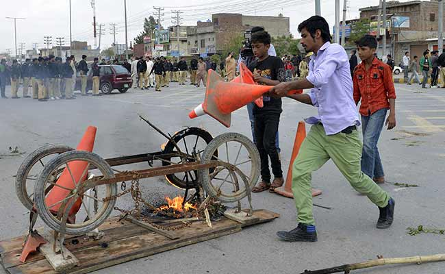 14 Dead in Taliban Attack Near Churches in Lahore; Angry Mob Lynches 2 Suspected Terrorists