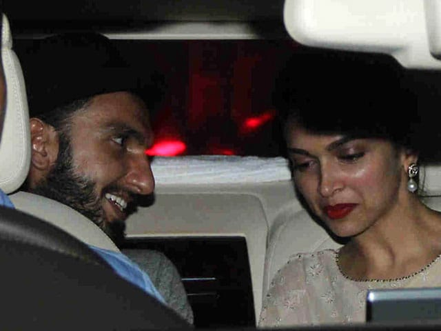 This Picture of Deepika Padukone and Ranveer Singh Makes us Happy