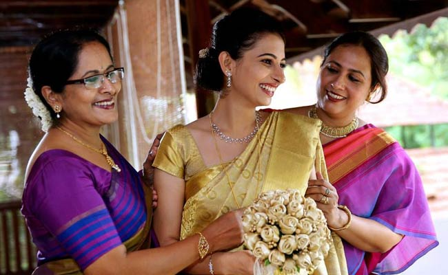 100SareePact Wants You  Here's Why  by Ally Matthan and Anju