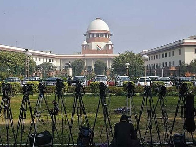 Accept Woman Member or Face Jail, Supreme Court Tells Make-Up Artists Guild