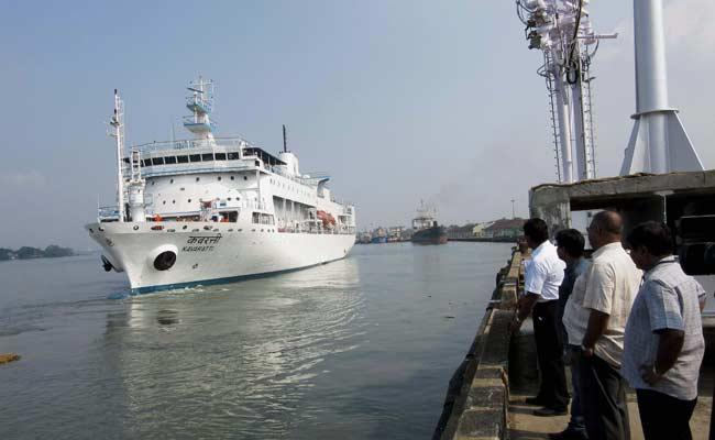 Norwegian Cruise Line Ship Runs Aground on Bermuda Reef; no Injuries
