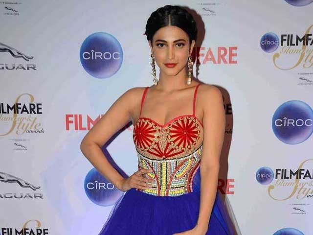 Shruti Haasan Records Gabbar Is Back Song in One Hour Non-Stop