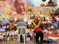 Singapore in Mourning as its First Prime Minister Lee Kuan Yew Dies