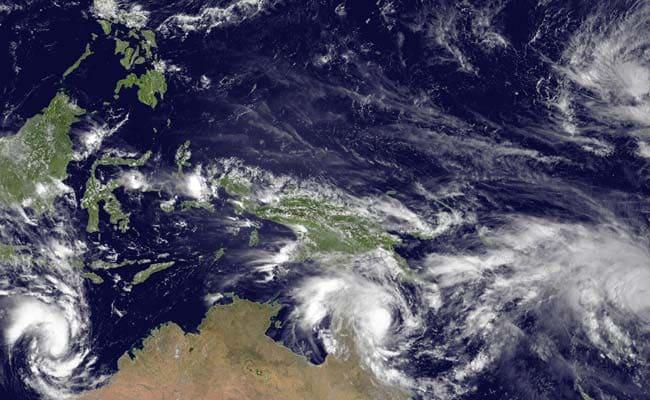 Flooding in Vanuatu as Cyclone Pam Hits Maximum Strength