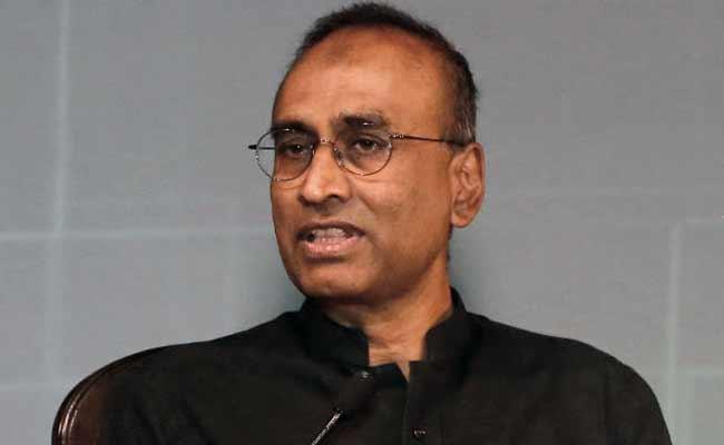 India-Born Nobel Winner Calls 'Sensible' Post-Brexit Immigration System
