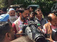 Ahead of AAP's Judgement, Yogendra Yadav Makes Conciliatory Moves
