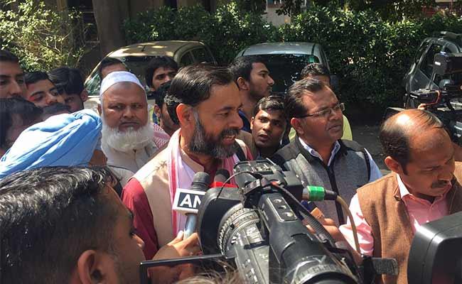 Yogendra Yadav, Prashant Bhushan Removed From Key AAP Panel