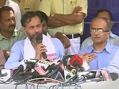 Arvind Kejriwal Dictatorial, AAP is Lost, Say Yogendra Yadav and Prashant Bhushan