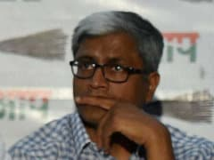 Confronted by Farmer Gajendra Singh's Daughter, AAP Leader Ashutosh Breaks Down on TV