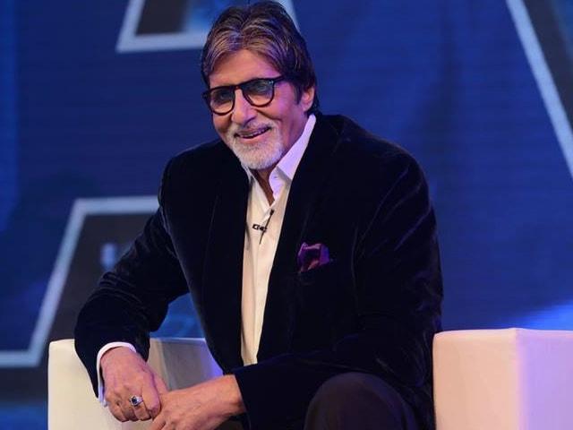 Amitabh Bachchan Asks Fans to Help Create a Website for Harivansh Rai Bachchan