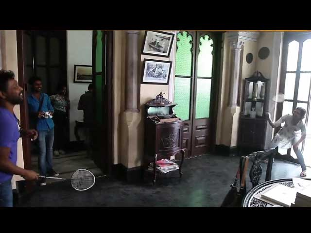 What Deepika Padukone Did in Between Takes For Piku