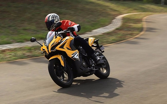Bajaj Pulsar RS 200 first ride review