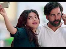 Akshay, Shruti Discover a Lot Can Happen Over Coffee in <i>Gabbar</i> Song