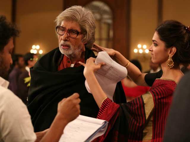 When Big B Pulled Deepika's Leg on The Sets of Piku